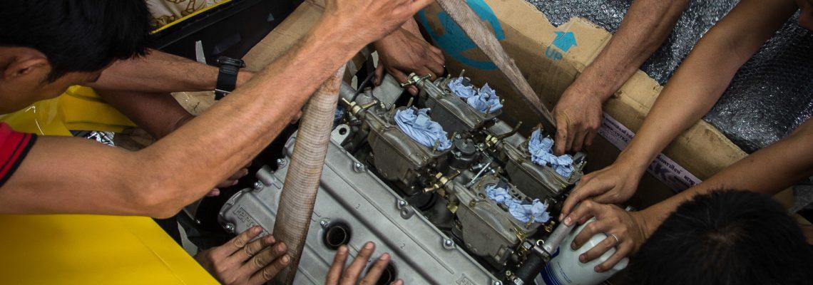 PUTTING BACK THE ENGINE   FERRARI 308 GTB