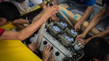 PUTTING BACK THE ENGINE | FERRARI 308 GTB